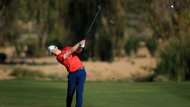 Syme celebrates Tour card