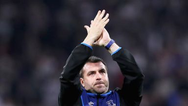 Phil Neville backs Unsworth for Everton