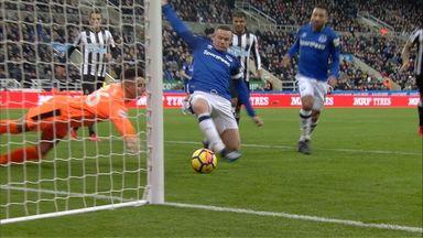 Darlow error gifts Rooney goal