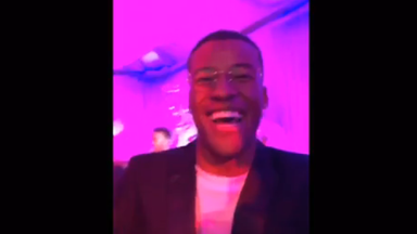 Wijnaldum sings at Xmas party