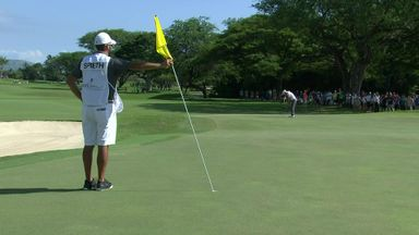Spieth makes monster birdie putt