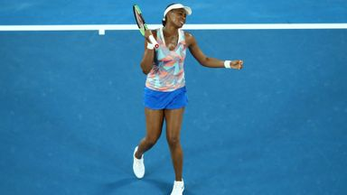 Williams crashes out of Australian Open