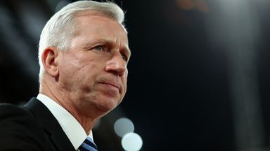 Pardew: No change on Evans