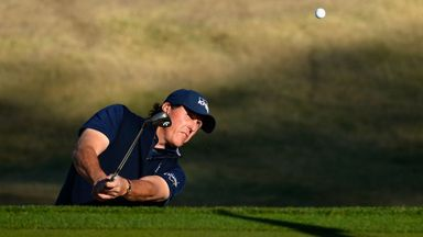 Mickelson produces magic in California