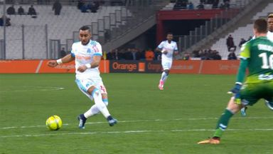 Payet injures keeper with dummy