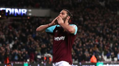 Hammers 'should not sell Carroll'