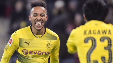 Wenger confirms talks with Aubameyang