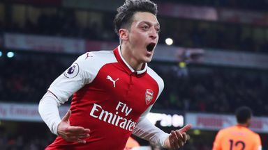 Wenger: Ozil will not leave in January