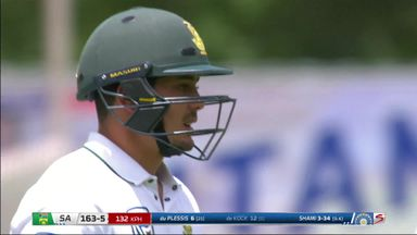 De Kock's frantic knock!