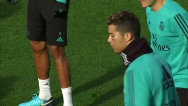 Ronaldo trains with bruised face