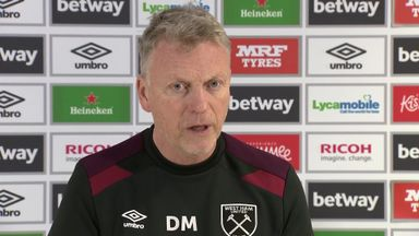 Moyes: No plans to sell strikers