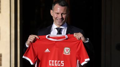 Giggs defends himself against Wales critics