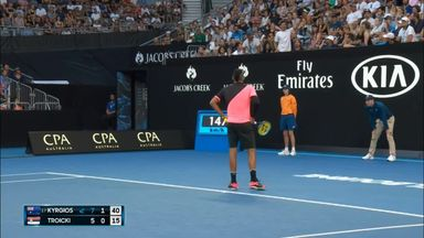 Heckler interrupts Kyrgios match