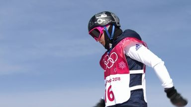 GB snowboarder Aimee Fuller crashes out