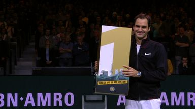 Federer becomes oldest world No 1