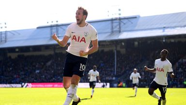 Martinez hails incredible Kane
