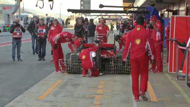 F1 Testing: Pit-lane action