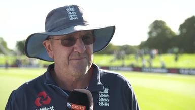 Bayliss: We need six bowlers