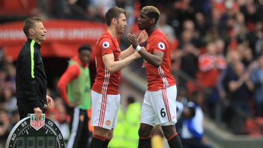 Carrick's half-time advice to Pogba