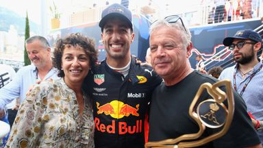 Ricciardo returns to a hero's welcome