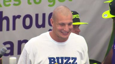 Gronkowski shaves head for charity