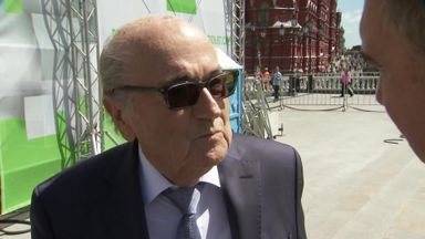 Blatter backs England to host WC