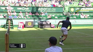 Lovely volleys from Tsitsipas & Kudla